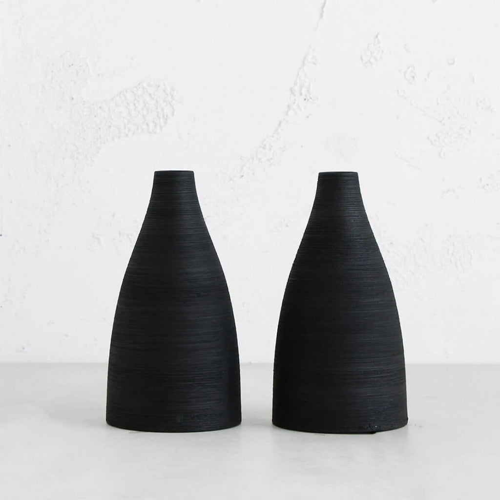 AKI BLACK CERAMIC VASE  |  PORCELAIN VASE  | HOME DECOR