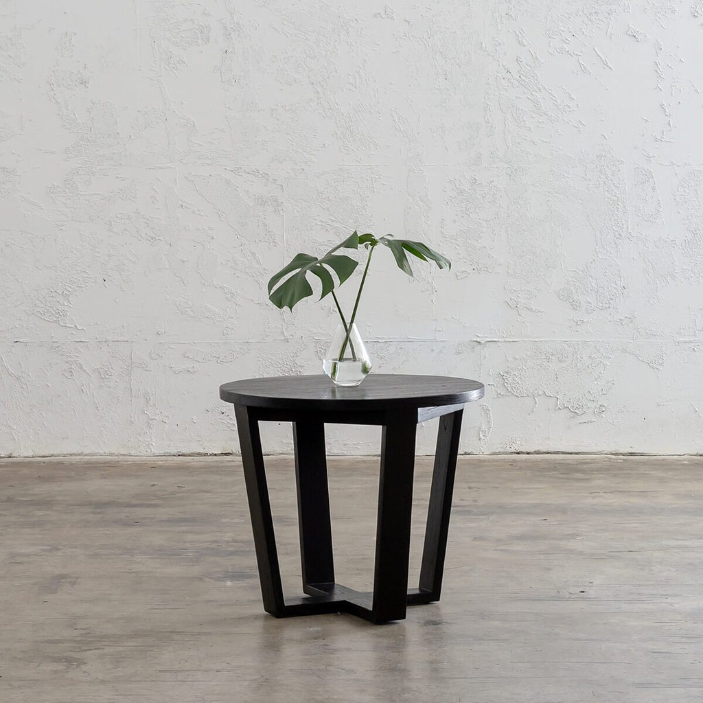 AMARA MID CENTURY MODERN ROUND TERRACE SIDE TABLE  |  BLACK WOODEN TABLE