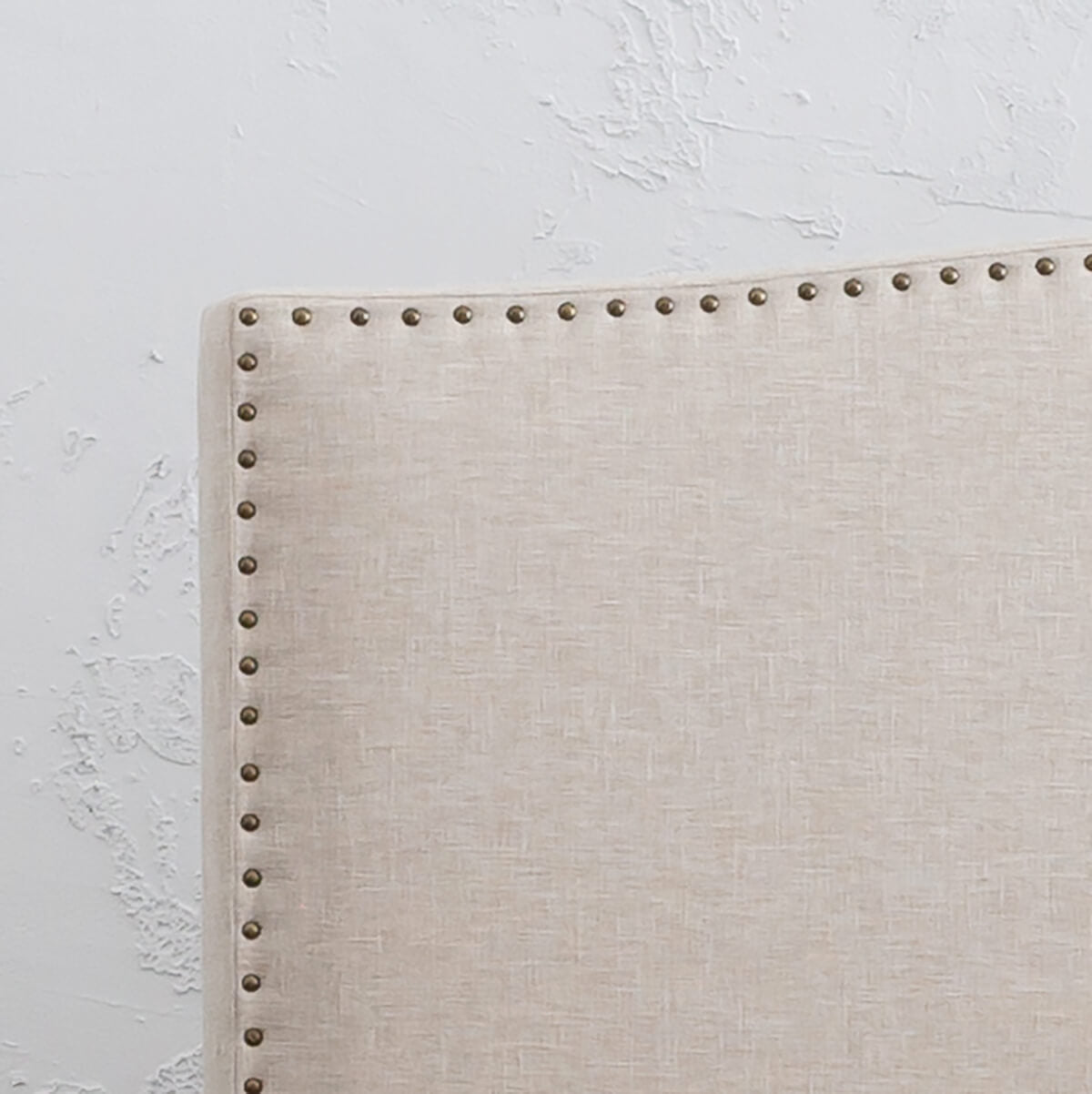 AVALON BED WITH STUDDED CURVE FRAME   |  NATURAL LINEN  |  KING SIZE