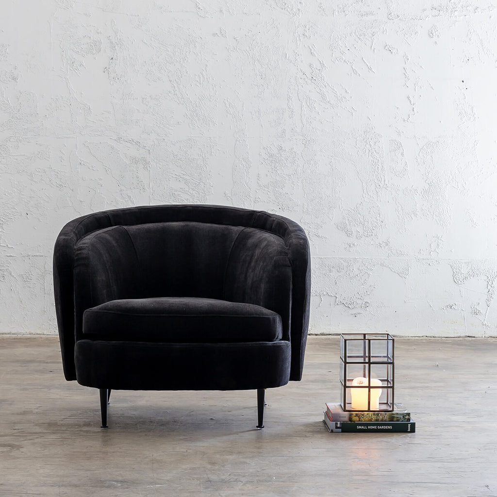 CARSON CURVE ARM CHAIR  |  NOIR BLACK  |  LOUNGE FURNITURE