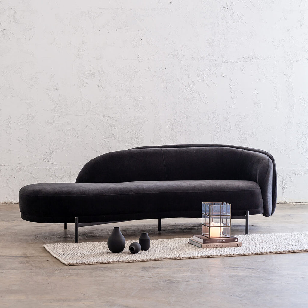 CARSON CURVE DAYBED SOFA  |  NOIR BLACK  |  LOUNGE FURNITURE