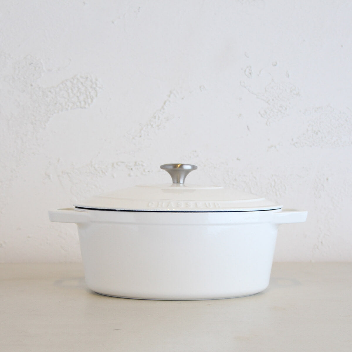 CHASSEUR  |  OVAL FRENCH OVEN  |  WHITE  |   FRENCH ENAMEL COOKWARE