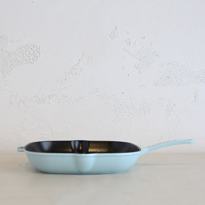CHASSEUR  |  SQUARE GRILL PAN  |  DUCK EGG BLUE  |   FRENCH ENAMEL COOKWARE