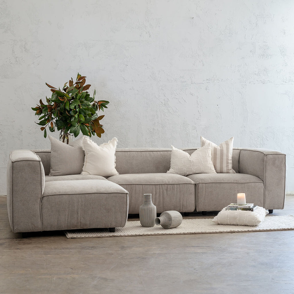 COBURG MODULAR SOFA   |  FLAGSTONE ASH   |  LOUNGE FURNITURE