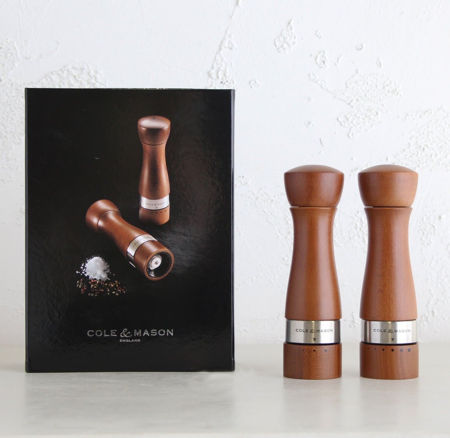 COLE & MASON  |  MELBURY SALT + PEPPER GRINDER GIFT SET  |  WALNUT