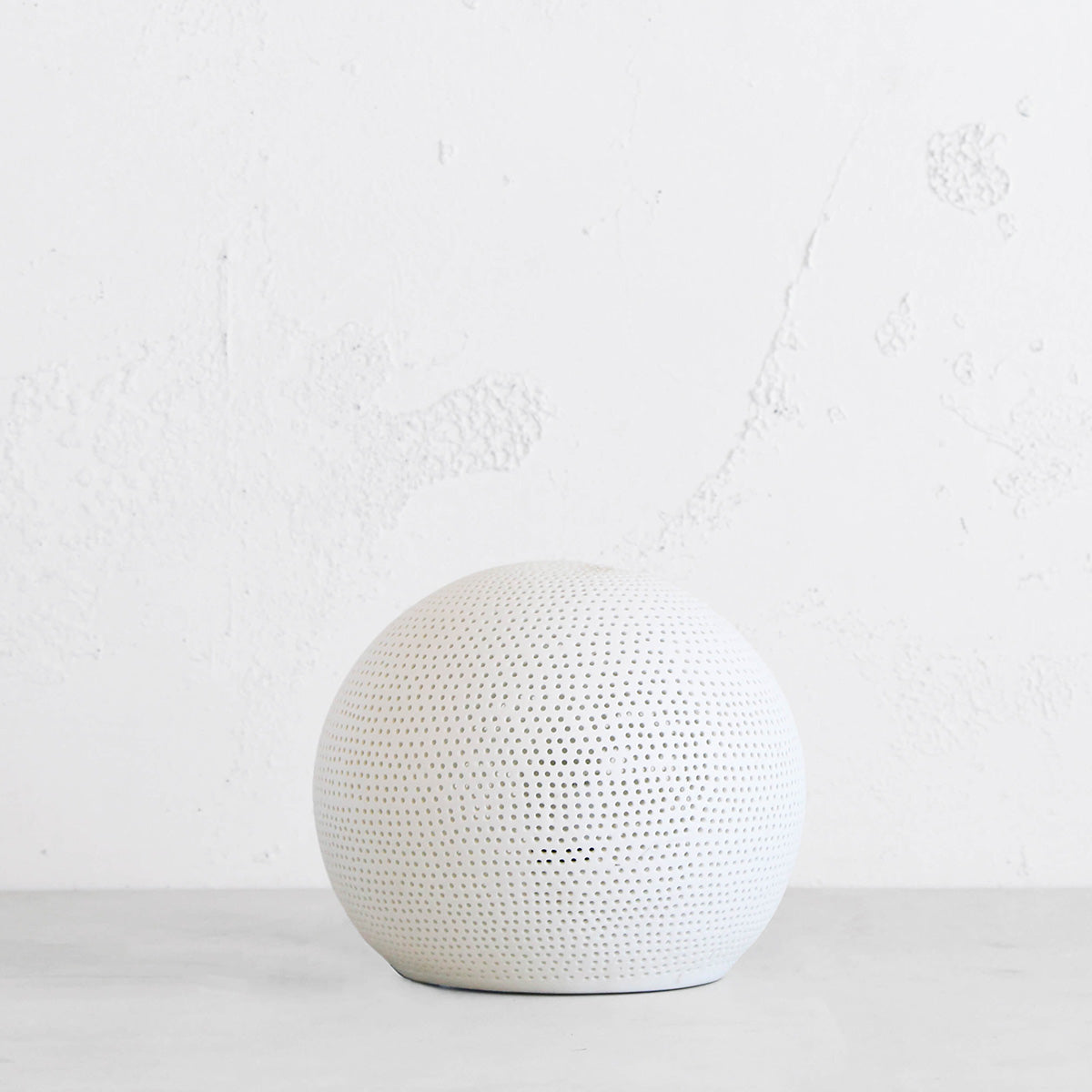 DIANNA PORCELAIN SPHERE LAMP  |  WHITE