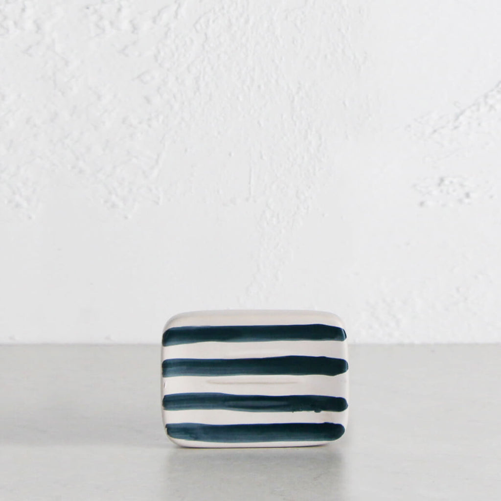 HASTINGS SOAP DISH | 9 x 12.5CM | WHITE + NAVY