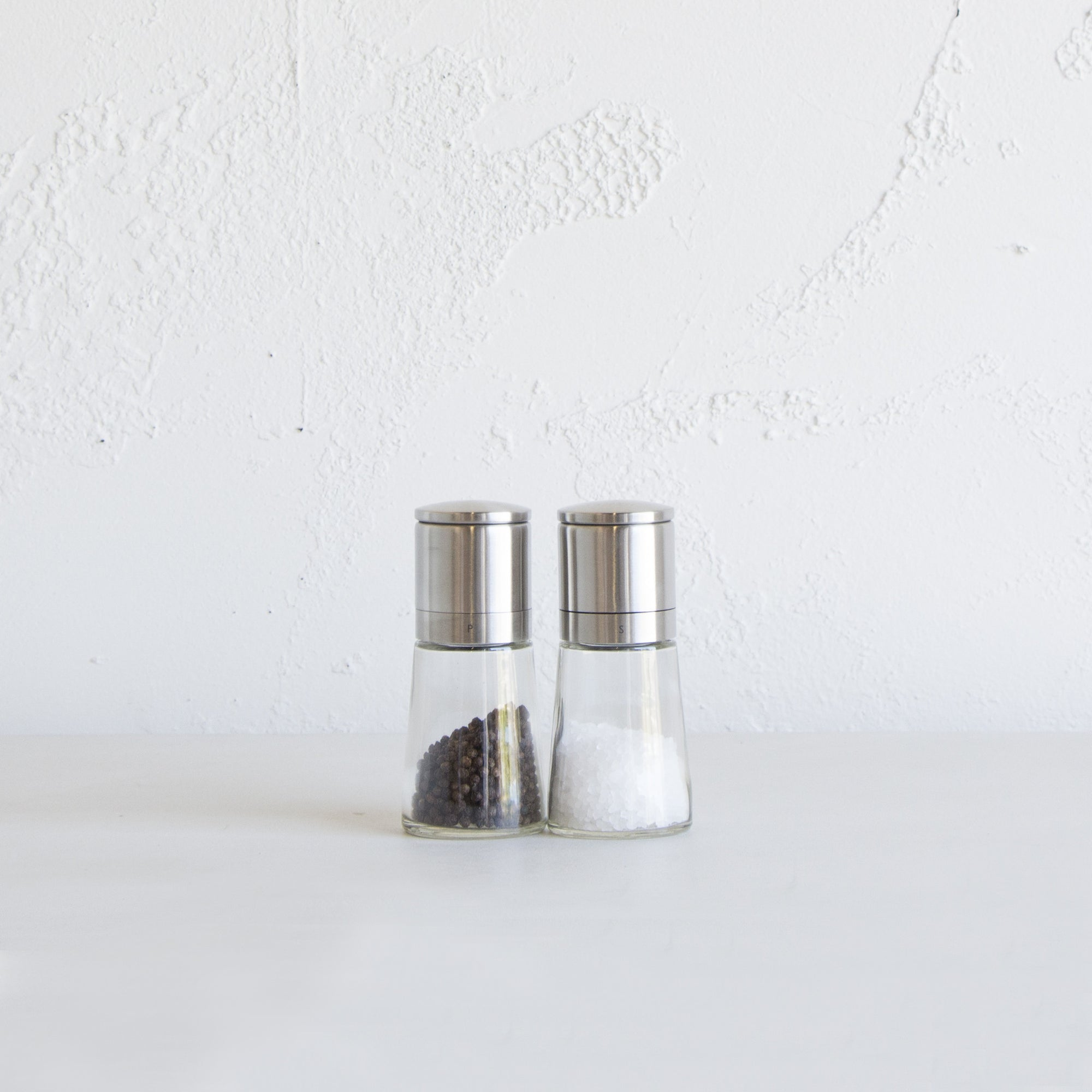 COLE & MASON  |  CLIFTON SALT & PEPPER GRINDER MILL SET  |  GLASS