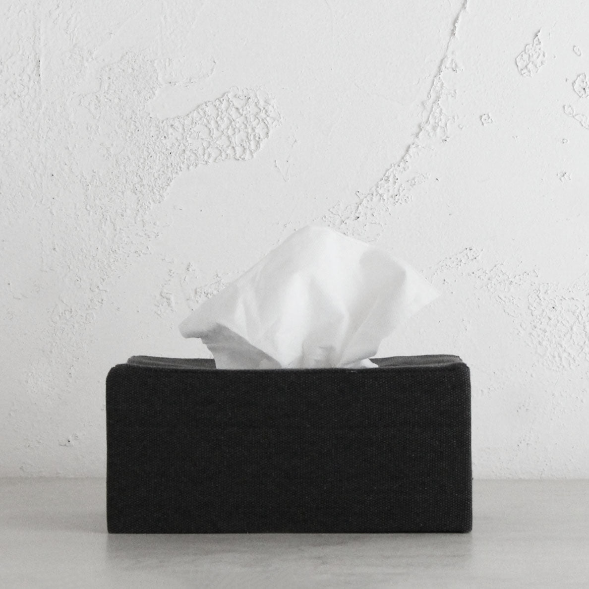 TELA CANVAS TISSUE BOX RECTANGULAR  |  BLACK LINEN LOOK