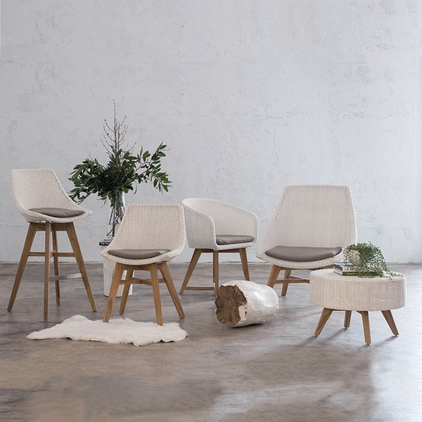 LECCO WAVE ARM CHAIR  |  WHITE WICKER