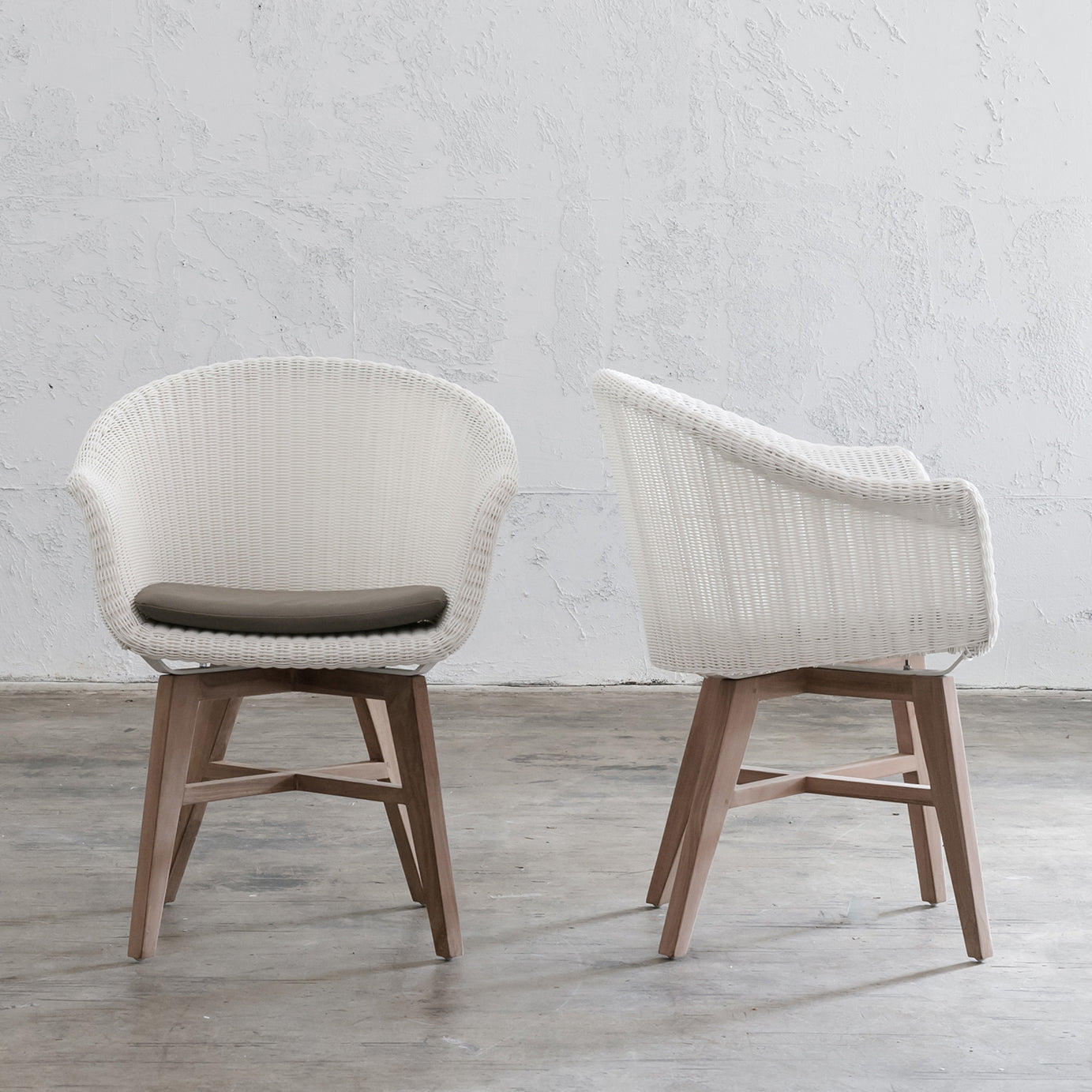 LECCO WAVE ARM CHAIR  |  WHITE WICKER  |  NOOSA DINING CHAIR
