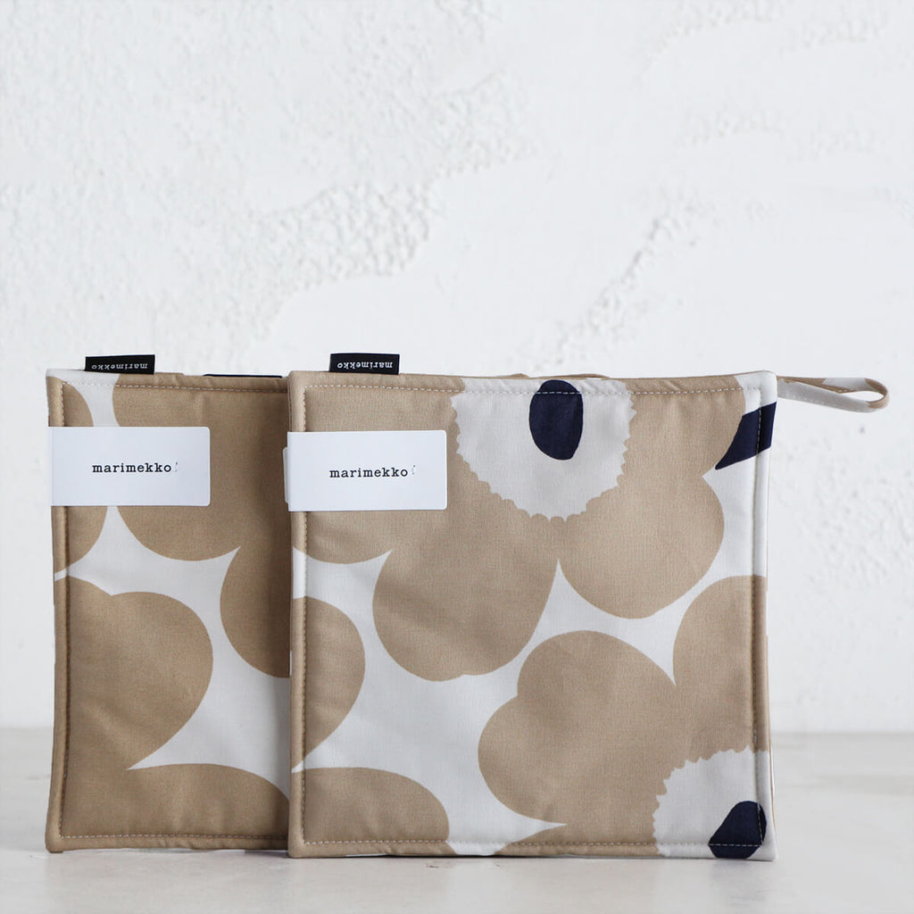 MARIMEKKO  |  PIENI UNIKKO POT HOLDER BUNDLE  |  BEIGE + WHITE + NAVY  |  OVEN MITT