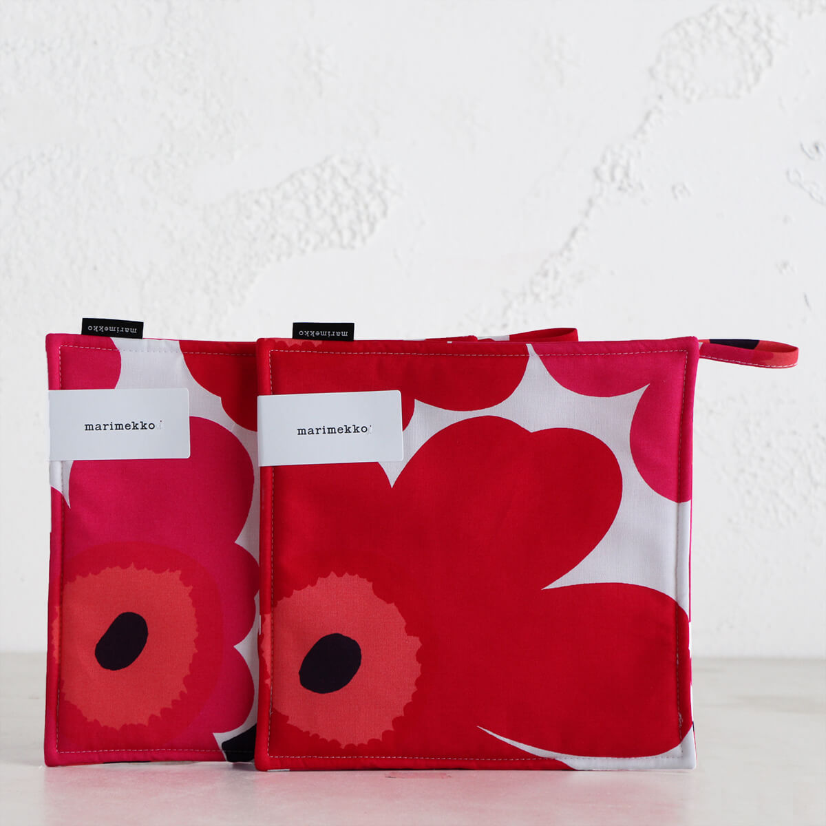 MARIMEKKO  |  PIENI UNIKKO POT HOLDER BUNDLE  |  RED + ORANGE + PINK  |  OVEN MITT