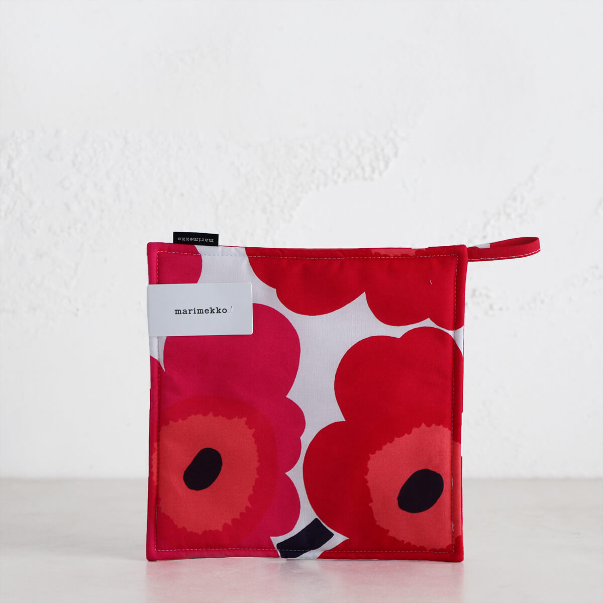 MARIMEKKO  |  PIENI UNIKKO POT HOLDER  |  RED + ORANGE + PINK  |  OVEN MITT