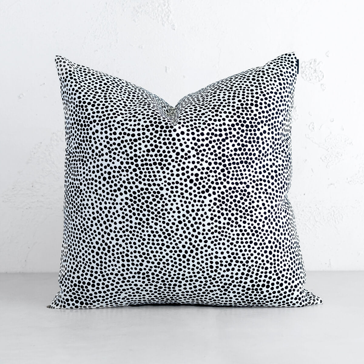 MARIMEKKO  |  PIRPUT PARPUT HEAVY DUTY COTTON  CUSHION  |  BLACK WHITE