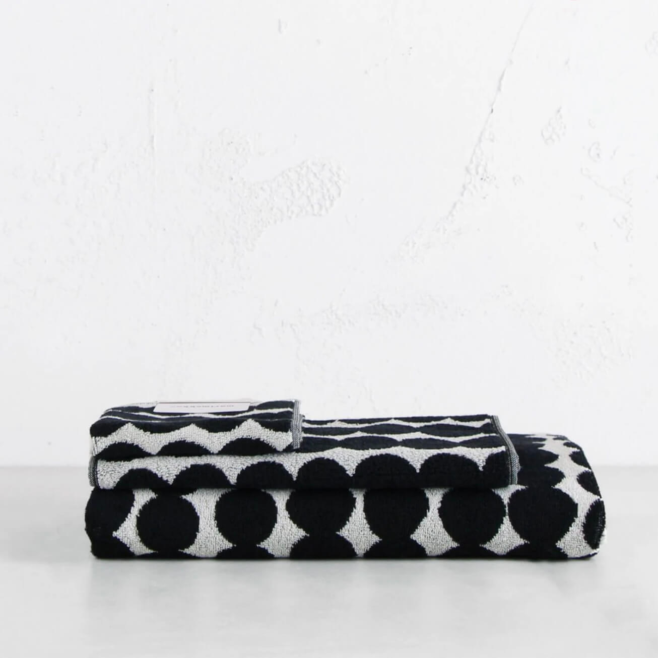 MARIMEKKO  |  RASYMATTO BATH BUNDLE SINGLE  |  BLACK SPOT