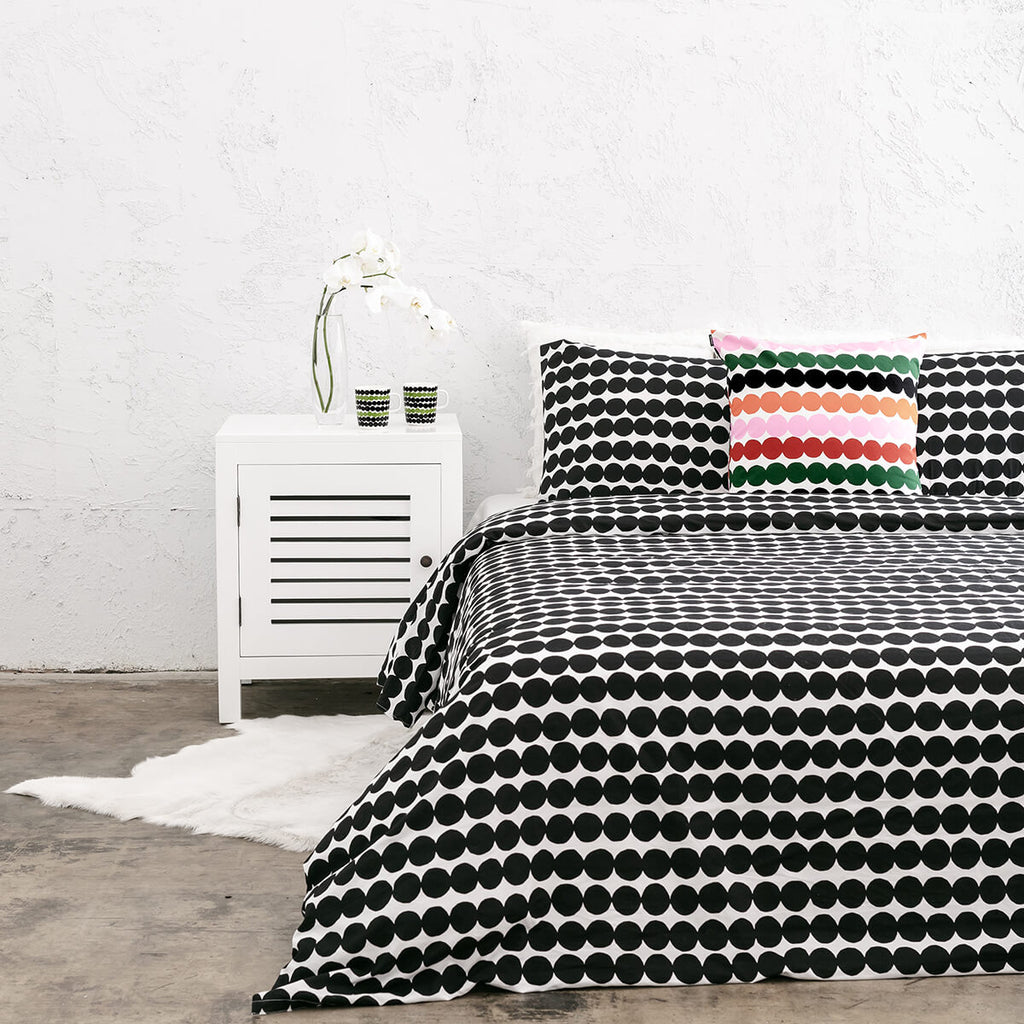 MARIMEKKO | RASYMATTO DUVET QUILT COVER | BLACK + WHITE SPOT | QUEEN