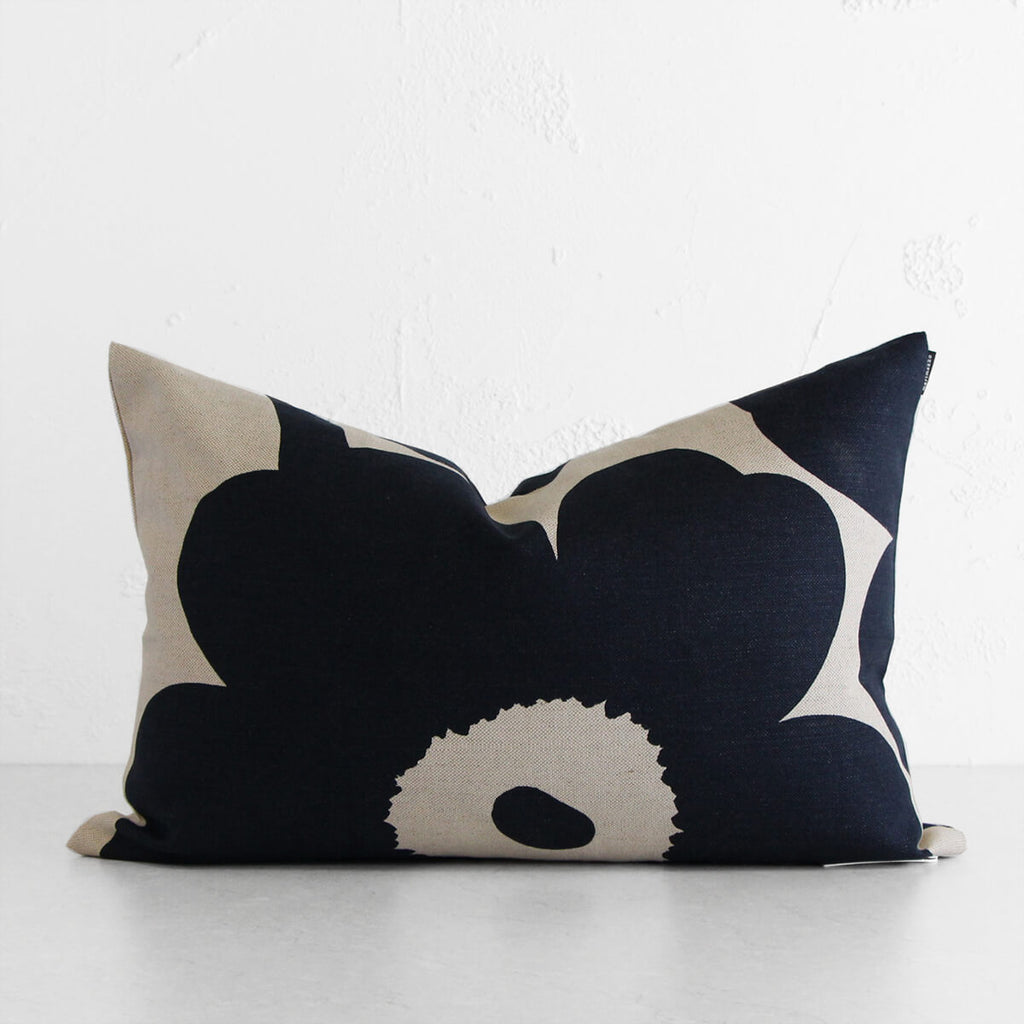 MARIMEKKO | PIENI UNIKKO PLUSH LINEN SCATTER CUSHION | NAVY BLUE + BEIGE