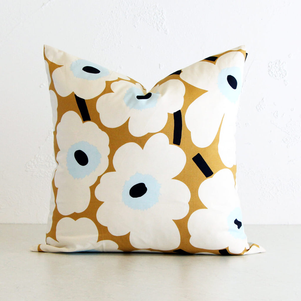 MARIMEKKO | PIENI UNIKKO CUSHION | BEIGE WHITE BLUE