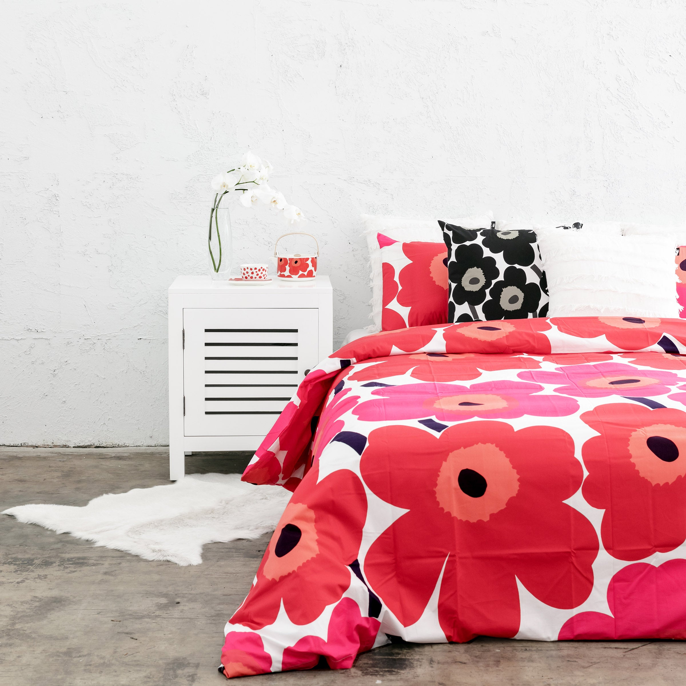 MARIMEKKO  |  UNIKKO PILLOW CASE  |  RED + PINK