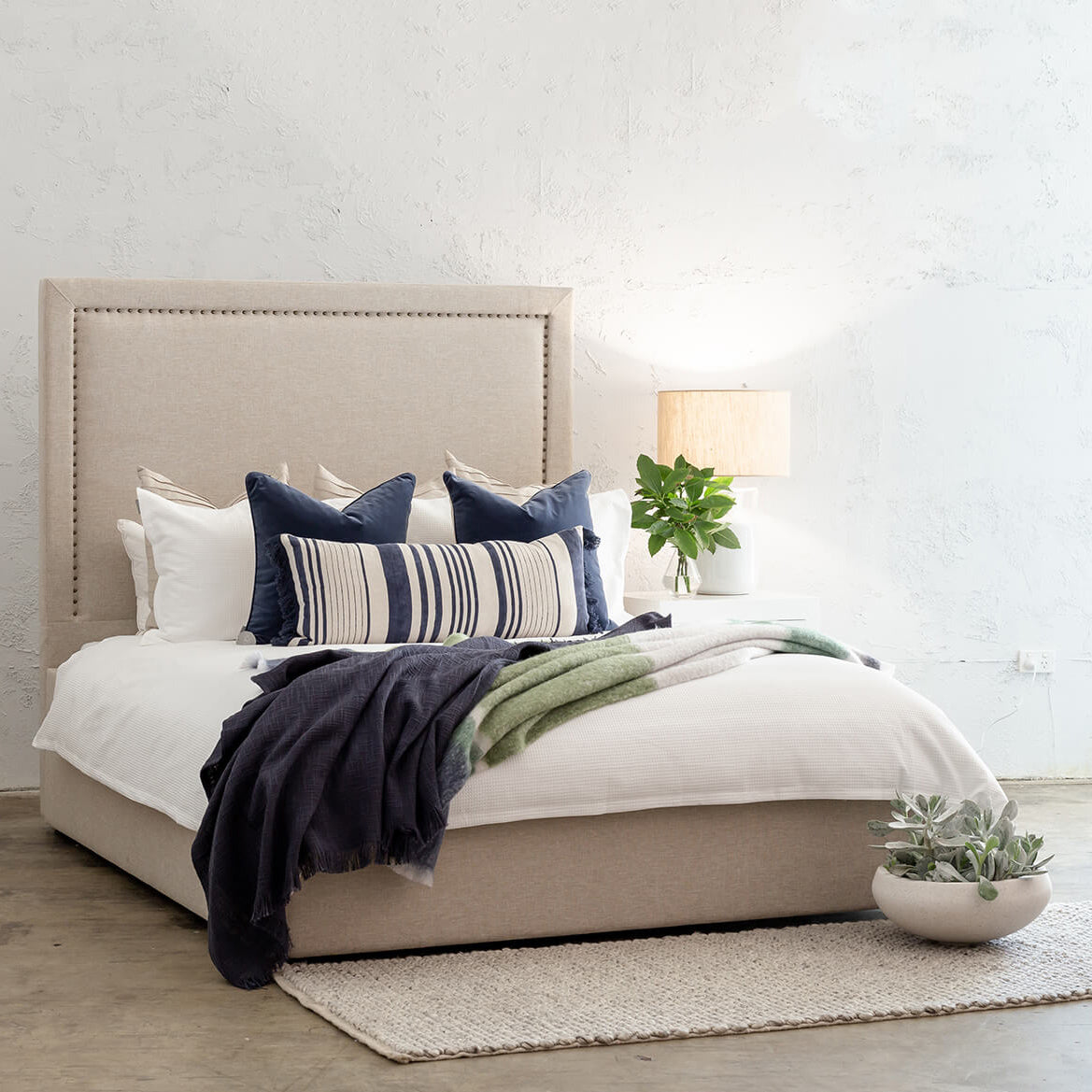 MARLE BED WITH STUDDED SQUARE FRAME   |  NATURAL LINEN  |  KING SIZE BED