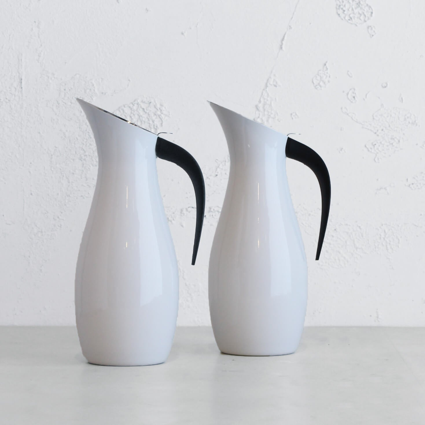 NUANCE WATER JUG TWO-PACK  |  STAINLESS STEEL + POLISHED WHITE EXTERIOR