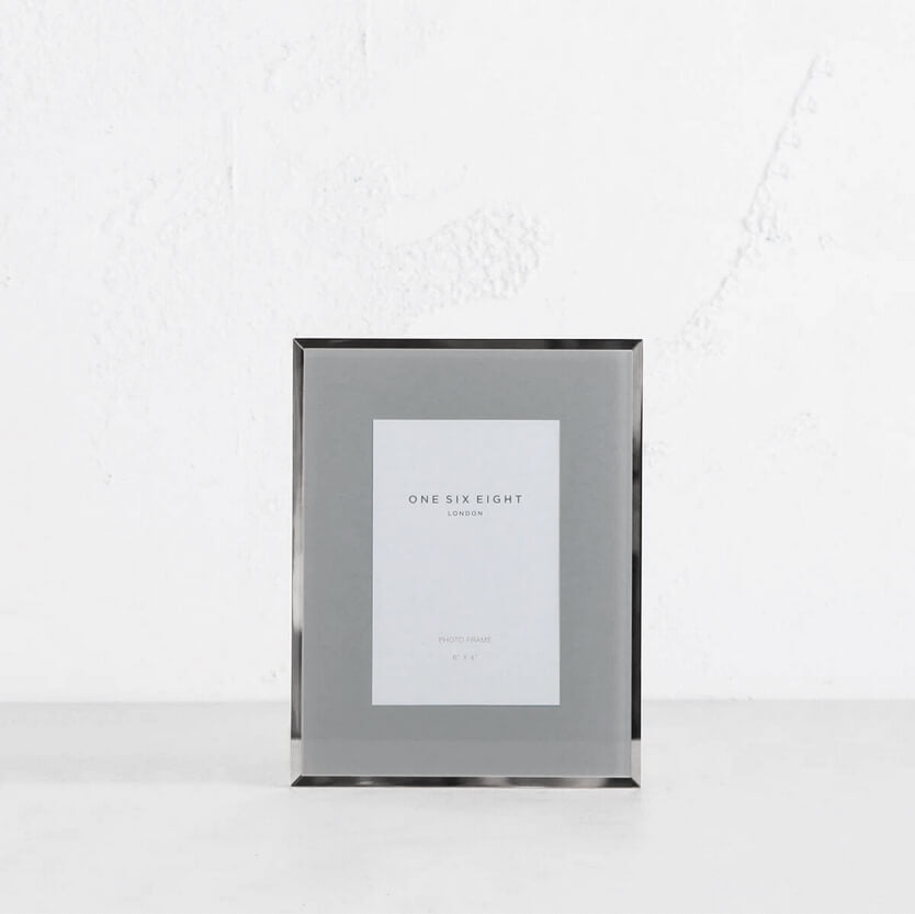 ONE SIX EIGHT LONDON  |  GLASS PHOTO FRAME  | GREY + SILVER EDGE | 6 x 4 IN.