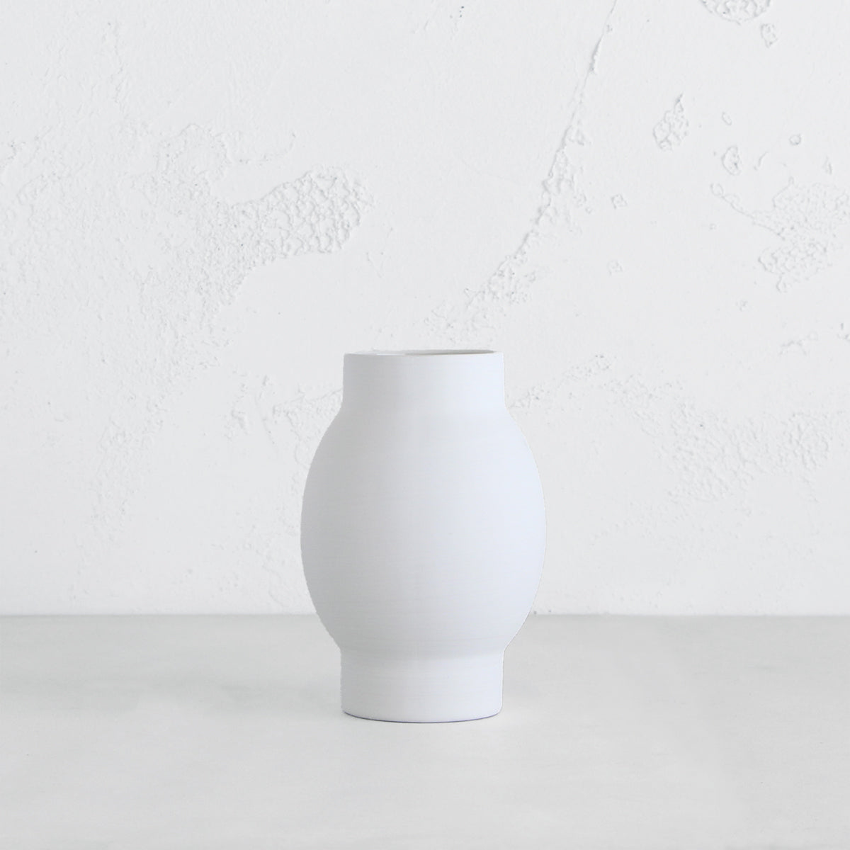 ARENA CERAMIC VASE  |  SMALL WHITE