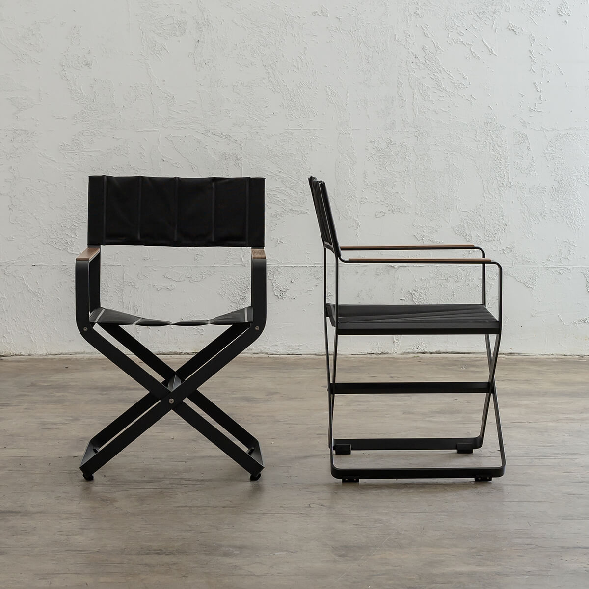PALOMA OUTDOOR DIRECTOR CHAIR | BLACK ALUMINIUM FRAME
