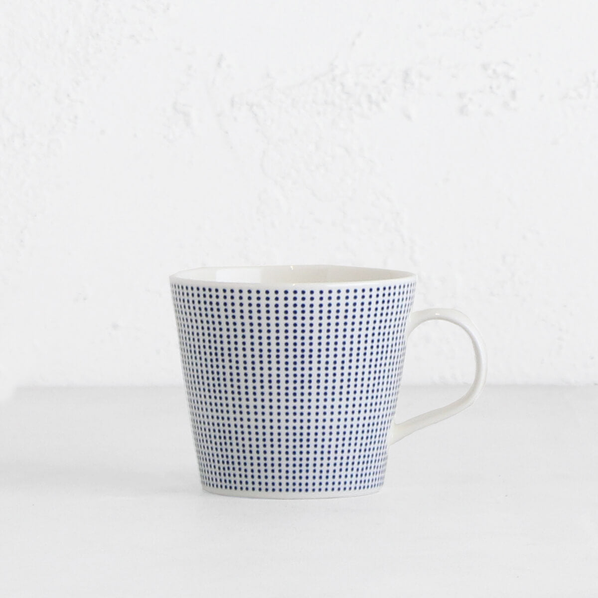 ROYAL DOULTON  |  BLUE DOTS MUG  |  BLUE + WHITE
