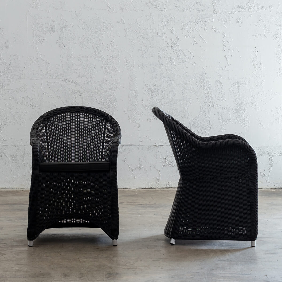 LECCO HAMPTON INSPIRED RATTAN WOVEN VERONA CHAIR  |  CARBON BLACK WICKER