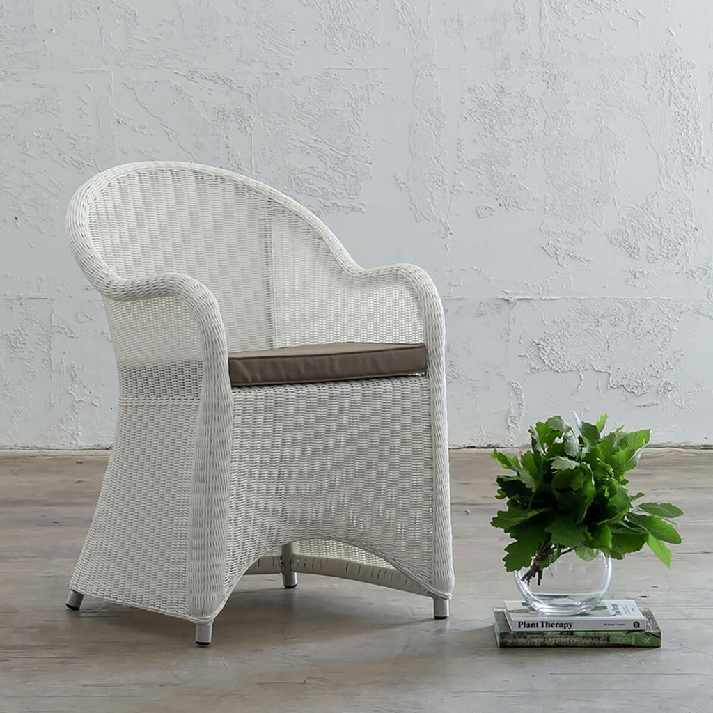 LECCO HAMPTON INSPIRED RATTAN WOVEN VERONA CHAIR | WHITE WICKER