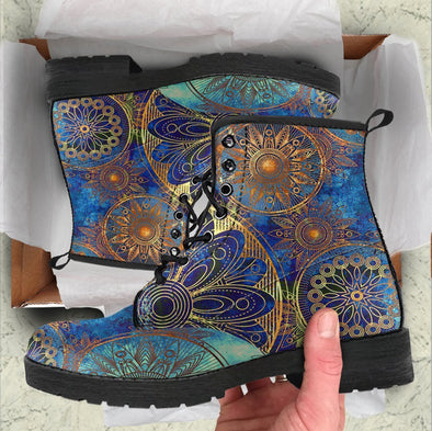 Handcrafted floral ornament 4 Boots