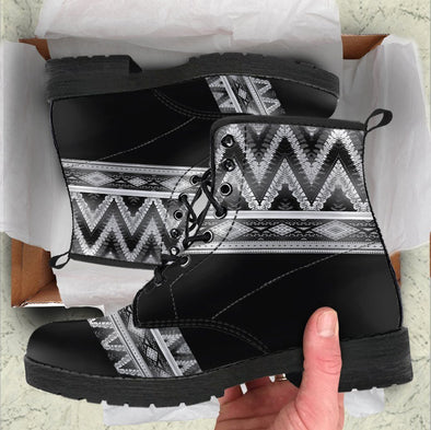 Handcrafted Bohemian Pattern 3 Boots