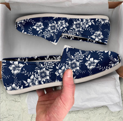 Casual Blue Flowers