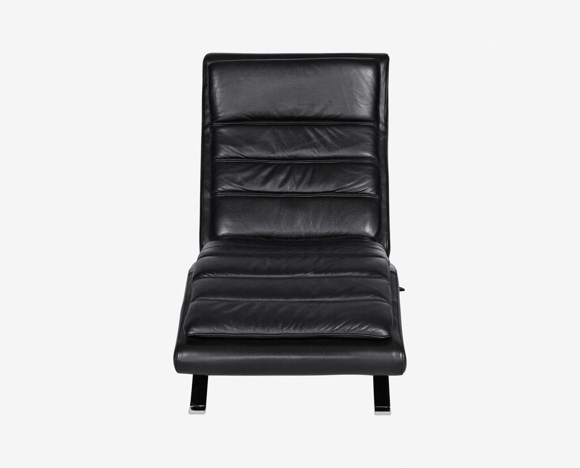 Cushioned luxury black leather recliner chair
