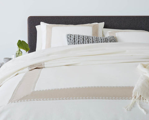 Traditional modern cotton bedding set