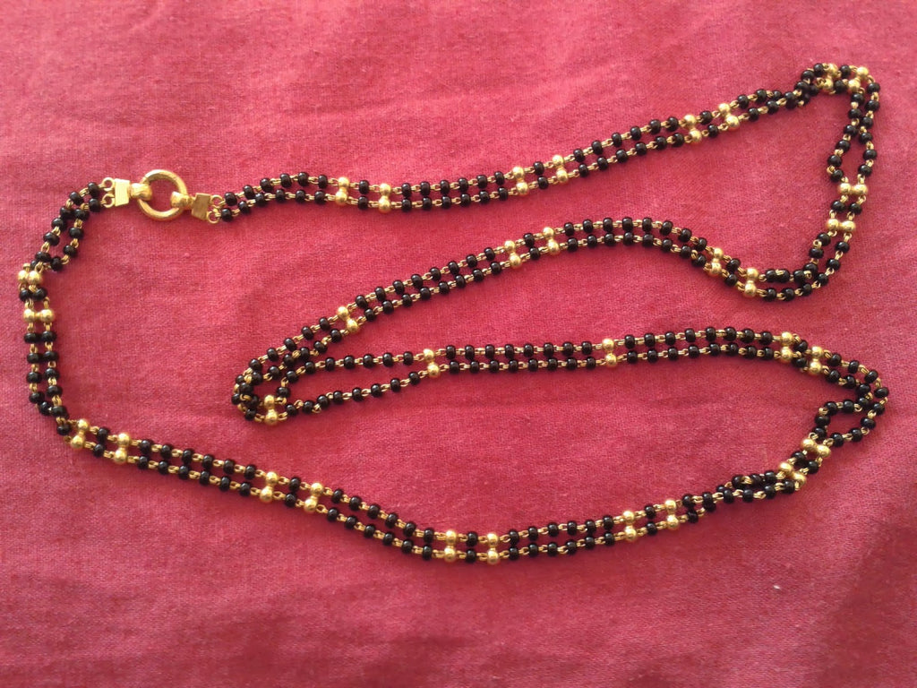 Bridal jewellery - Karugamani - Black and gold beads