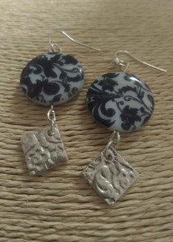 Mother of Pearl coin Graphics with silver - earrings