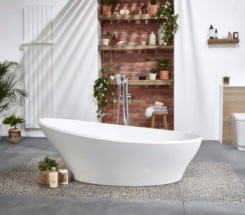 Sleek Luxury Freestanding Bath