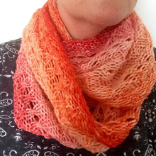 Load image into Gallery viewer, Delysia Cowl - Free Pattern - Natural Fibre Arts