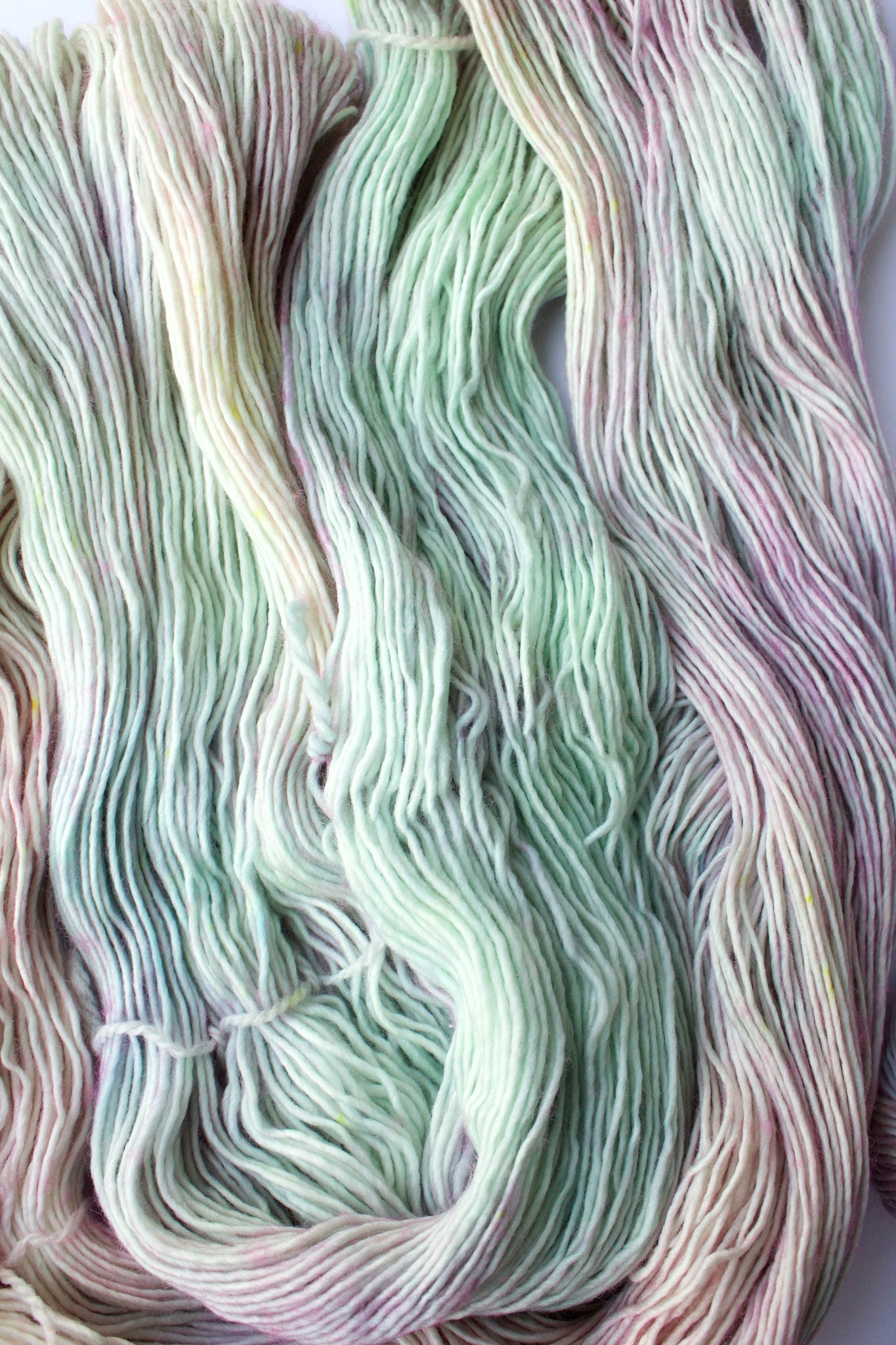 ANGEL AURA | Legato Single-Ply Fingering