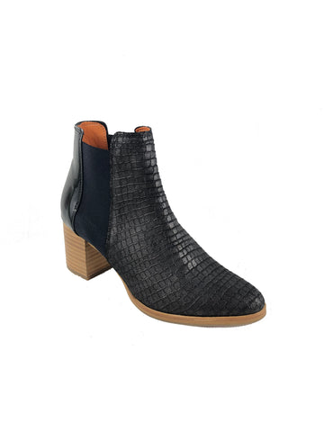 Eureka Brown Ankle Boots