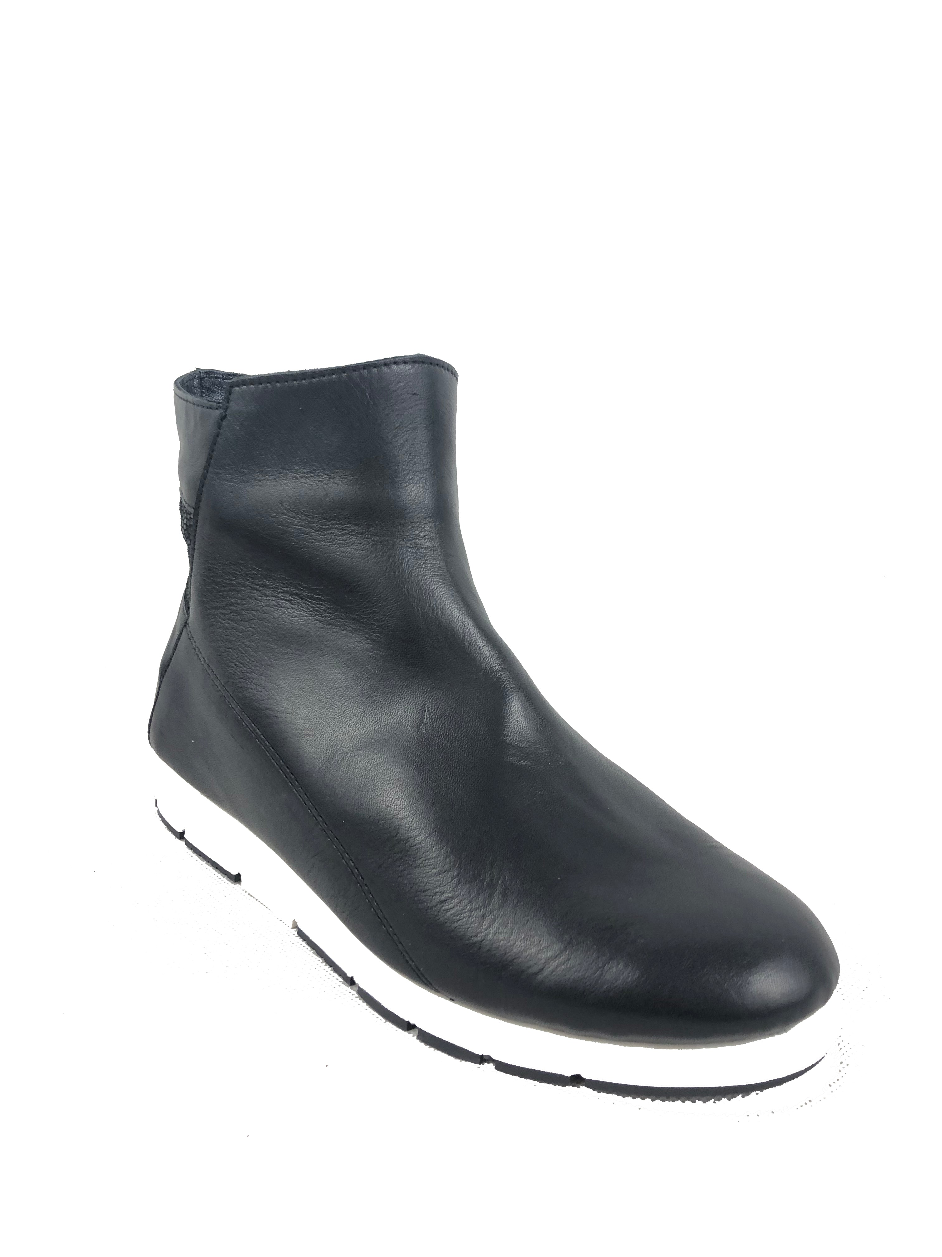 Aerobics Black and White Shoe Boot