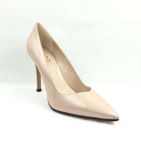 Lodi Nude high heel court shoe. Pointed toe with vshape.Dark around sole.4inch heels
