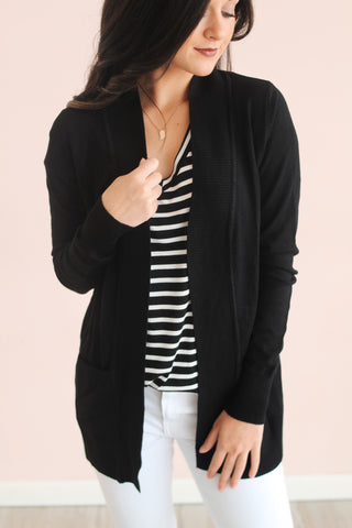 ESSENTIAL CARDIGAN IN BLACK