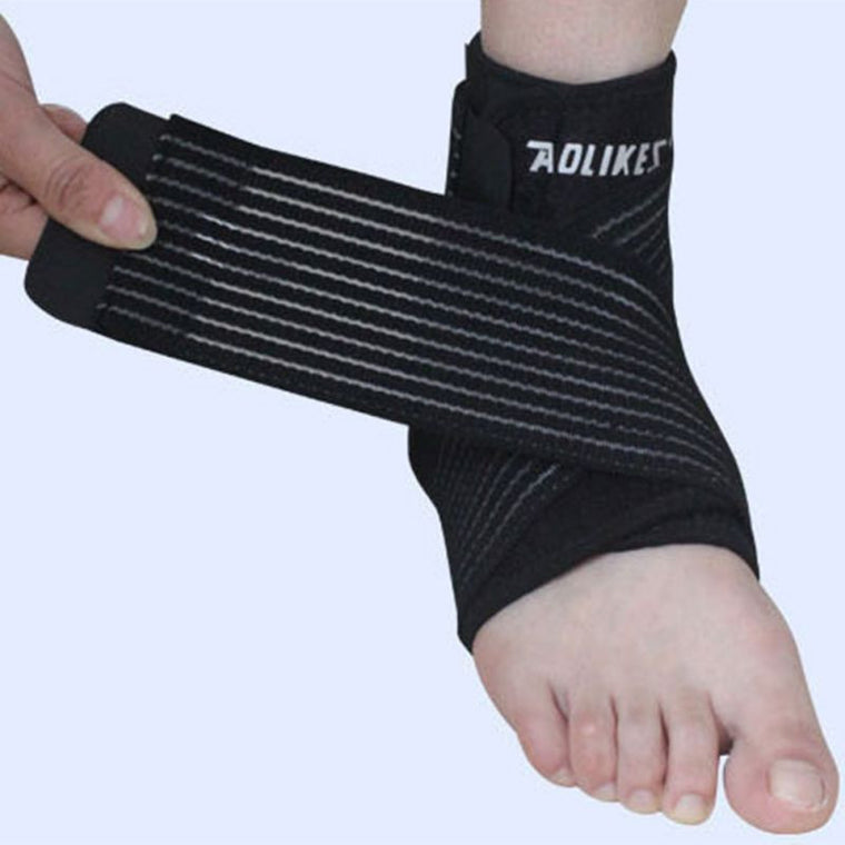 1 PCS Compression Breathable Football Climbing Sport Ankle Support Brace Ankle Pad