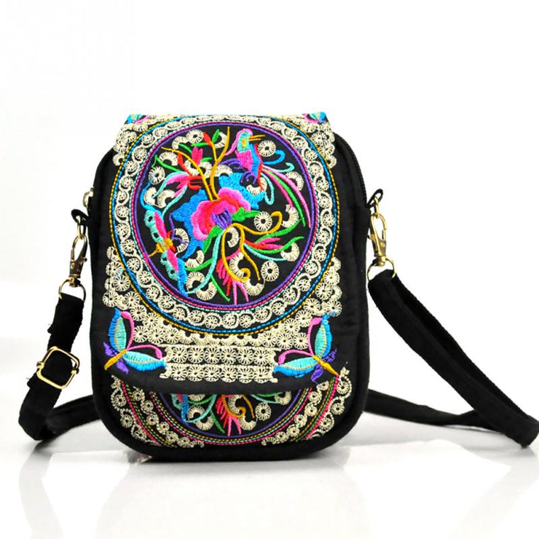 Bohemia Ethnic Embroidery Bag Vintage Embroidered Canvas Cover Shoulder Messenger Bag Women Small Coins Travel Beach Phone Purse