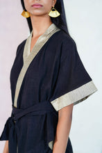 Load image into Gallery viewer, Mendes Ceylon Cattleya Black Linen kimono top