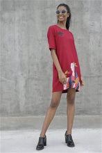 Load image into Gallery viewer, Queen Of Spade Shift Dress - Red